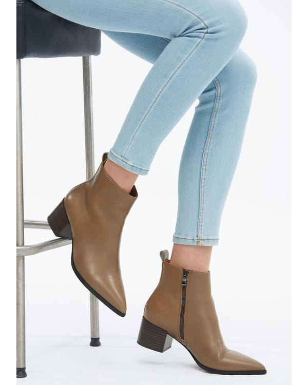 The Pointed Boots