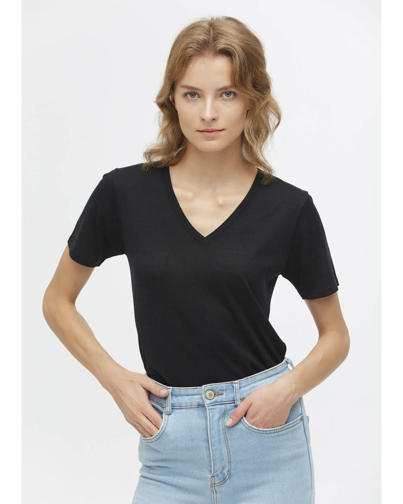 Slim Fit V Neck Silk Knitted T-Shirt