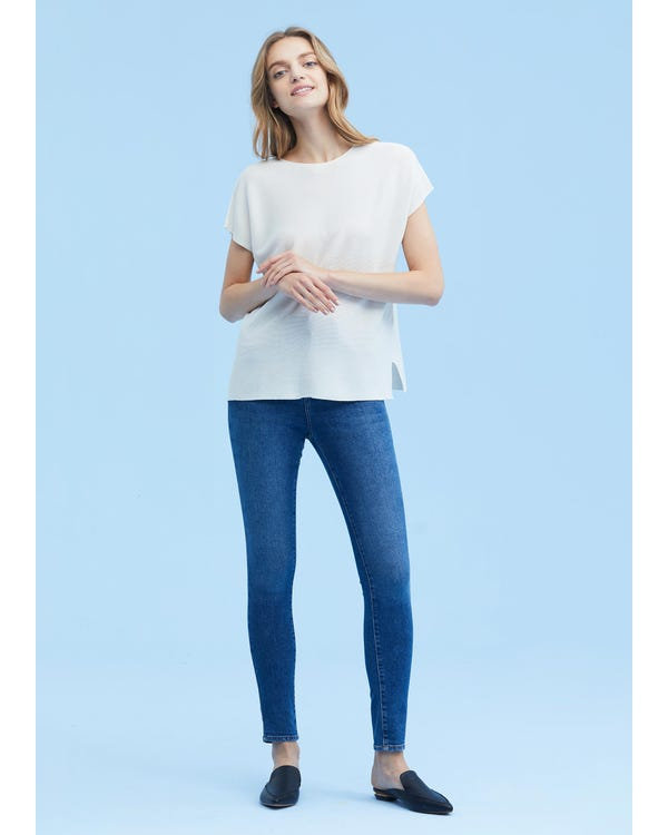 Breathable Round Neck Silk Knitted Tee-hover