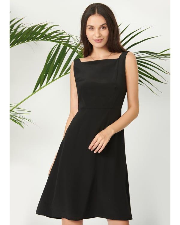 Classic Boat Neck Black Dress